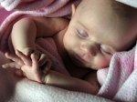 Znaczny wybór ubranek dla niemowląt, dzięki jakim dzieci będą się prezentować na co dzień wspaniale