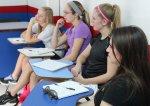 Jaka jest oferta szkół językowych dla mieszkańców innych krajów którzy będą się chcieli nauczyć się mówienia po polsku.