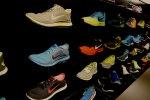 Wyjątkowe zestawy obuwia i dodatków – biustonosze, trampki i nie tylko