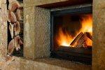 Odpowiednie drewno do twojego kominka. Jakie drewno wybrać, aby cieszyć się długotrwałym ciepłem oraz przyjemnym zapachem drewna?