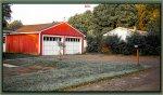 Niedrogi, a jednocześnie solidny i piękny garaż, czyli marzenia typowych posiadaczy samochodów