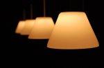 Dekorujemy pomieszczenia! Jak za pomocą oświetlenia podkreślić wystrój domu?