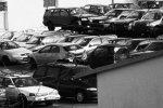 Złomowanie pojazdów – stosunkowo prosty sposób na pozbycie się balastu w formie bardzo starego samochodu