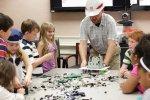 Wybierajmy dla dzieci urozmaicone zabawki, tak, by mogły rozwijać w sobie nowe umiejętności