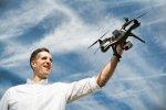 Najważniejsze aspekty używania latających dronów do fotografowania i filmowania różnych wydarzeń.