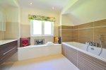 ATworząc toaletę warto zwrócić atencję na inteligentne systemy przechowywania