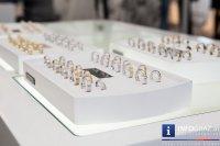 Największy wachlarz tradycyjnej i awangardowej biżuteriii odnajdziesz w hurtowniach jubilerskich