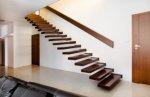 stopnie z jesionu, wytwórca schodów drewnianych