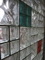 Części umeblowania szklane, które polepszą aranżację wnętrz w niejednym mieszkaniu